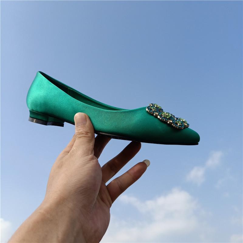 绿色尖头鞋 绿色婚鞋子女2020新款结婚新娘鞋蓝色大海同款百搭水钻低跟尖头鞋_推荐淘宝好看的绿色尖头鞋