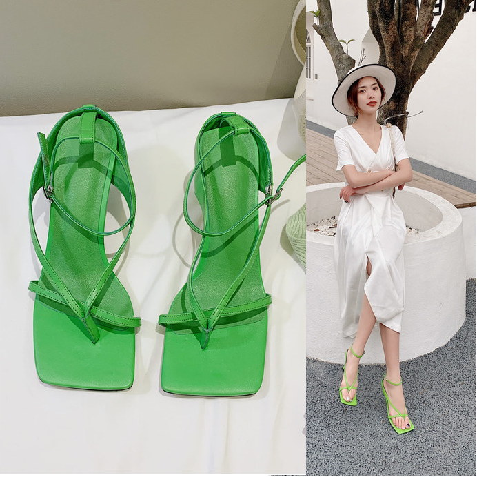 绿色凉鞋 绿色夹脚凉鞋女夏季2021新款真皮简约方头女鞋子高跟细跟个性夹趾_推荐淘宝好看的绿色凉鞋