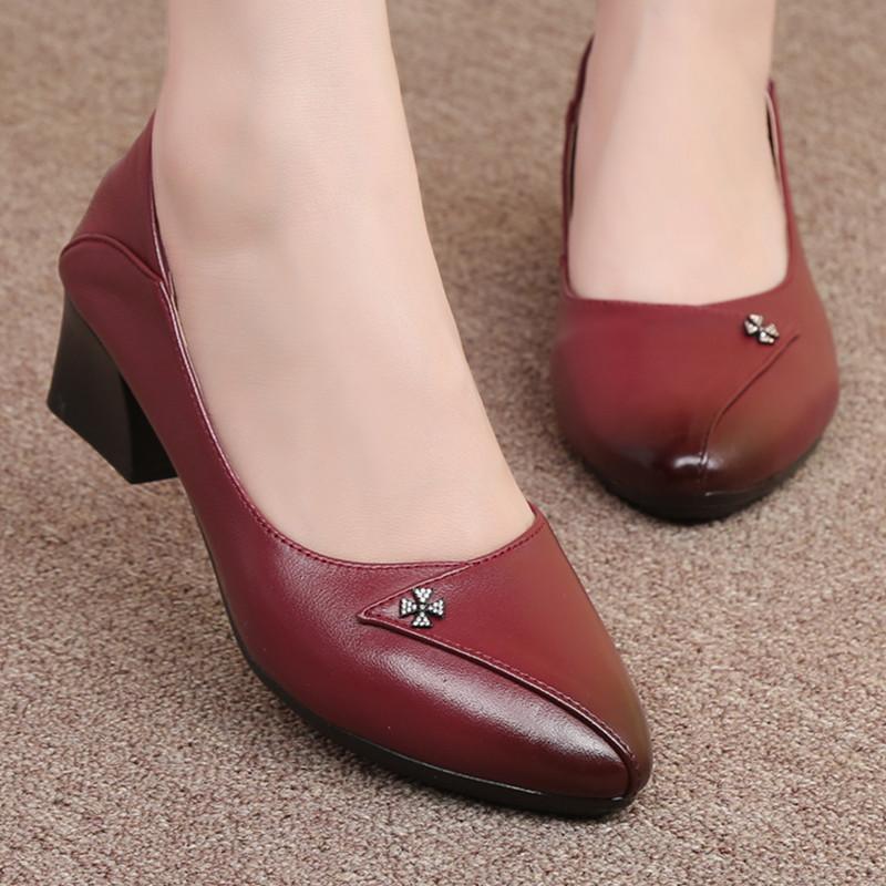 红色单鞋 婚礼妈妈鞋红色女鞋中年女士红皮鞋中跟单鞋婚宴鞋新娘结婚婆婆鞋_推荐淘宝好看的红色单鞋