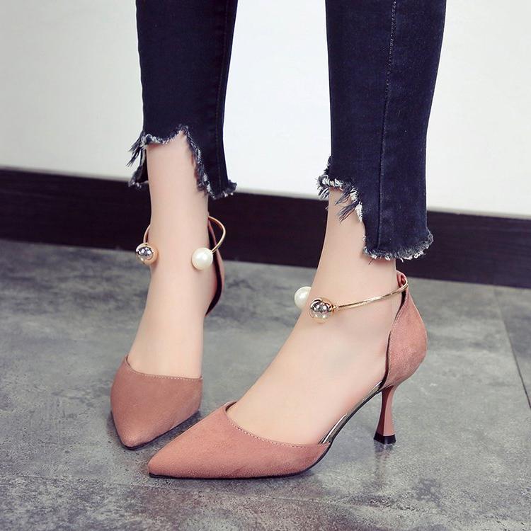 气质小单鞋 脚肥宽少女尖头气质侧空高跟鞋2021春新款珍珠一字带细跟中空单鞋_推荐淘宝好看的女气质单鞋
