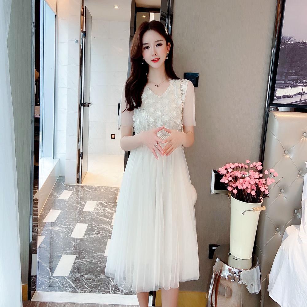 白色连衣裙 网纱连衣裙2021新款夏季短袖亮片立体绣花中长款白色森系仙女裙_推荐淘宝好看的白色连衣裙