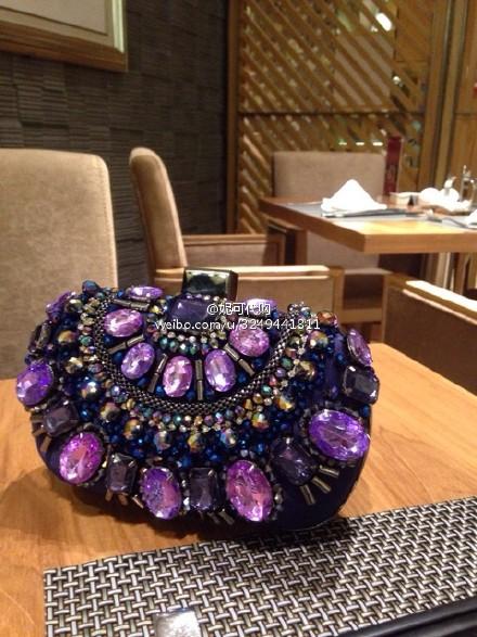 紫色链条包 【现货正品】紫色优雅精致钉珠钻石闪闪重工晚宴链条硬壳手拿包_推荐淘宝好看的紫色链条包