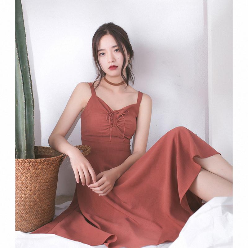 红色连衣裙 COTRE 独立设计 砖红色 法式复古收腰 V领吊带连衣裙子女中长款夏_推荐淘宝好看的红色连衣裙