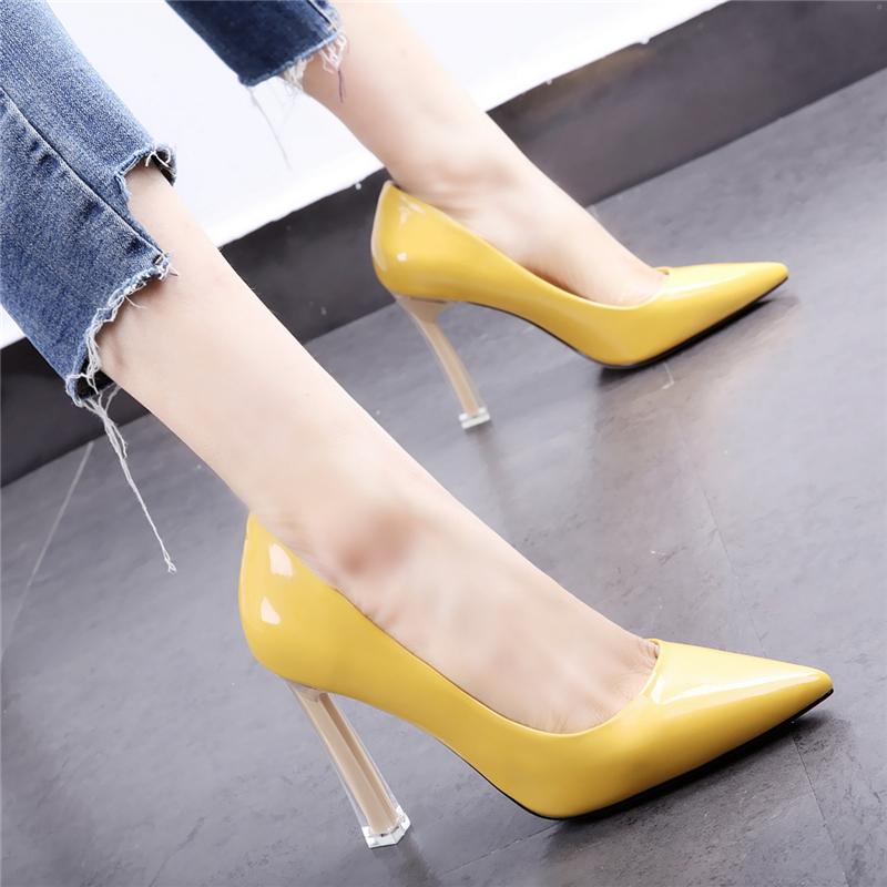 黄色高跟鞋 黄色少女高跟鞋2020早春新款欧美尖头漆皮粗跟透明水晶跟浅口单鞋_推荐淘宝好看的黄色高跟鞋