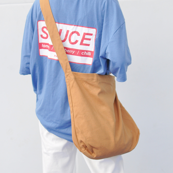红色帆布包 空白素袋子帆布包斜跨宽肩带超大款文艺范百搭黄红色多款秋冬新品_推荐淘宝好看的红色帆布包
