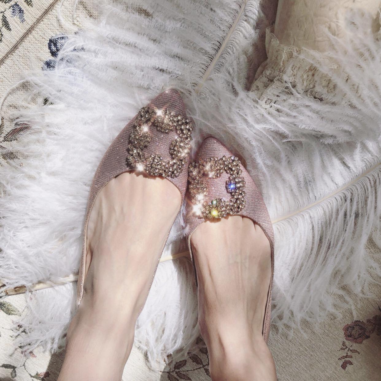 粉红色平底鞋 2019夏季新款水钻方扣尖头平底鞋浅口粉红色仙女鞋低跟低帮单鞋女_推荐淘宝好看的粉红色平底鞋