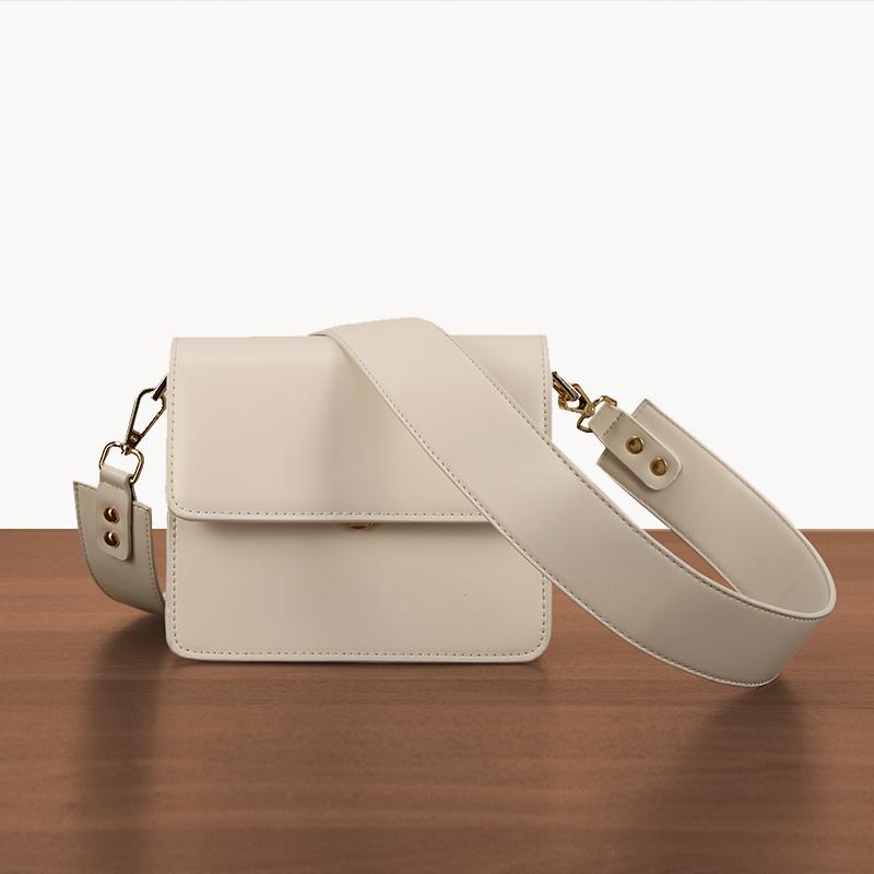 白色迷你包 包包女2020新款时尚白色风琴包宽肩带单肩斜挎复古小方包迷你女包_推荐淘宝好看的白色迷你包