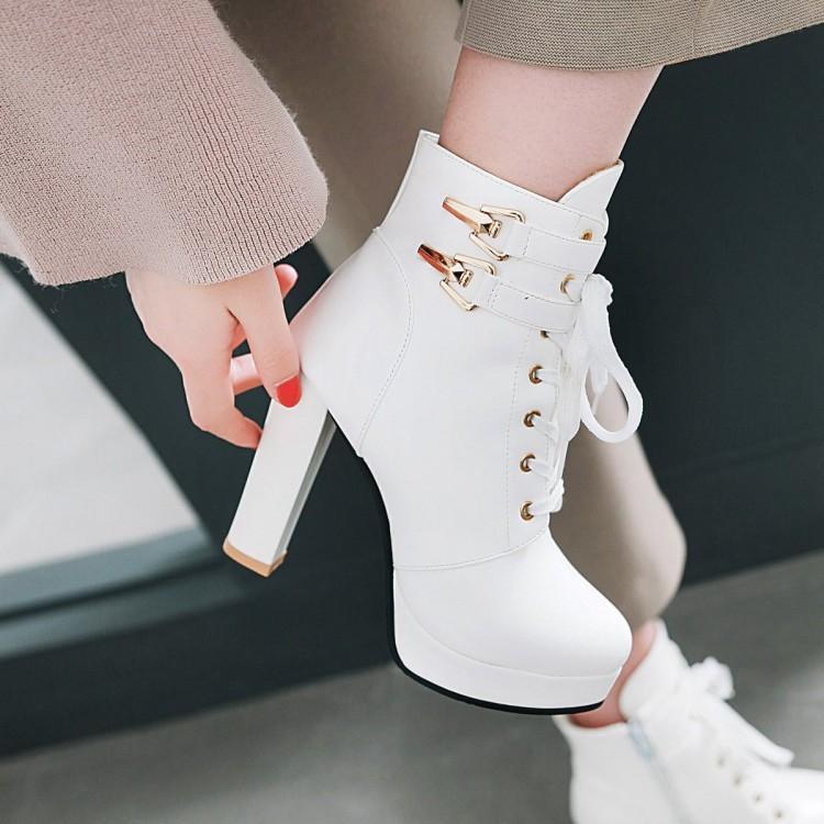 靴子 2020英伦风皮带扣系带粗跟马丁靴女秋冬季白色高跟短靴百搭女靴子_推荐淘宝好看的女靴子