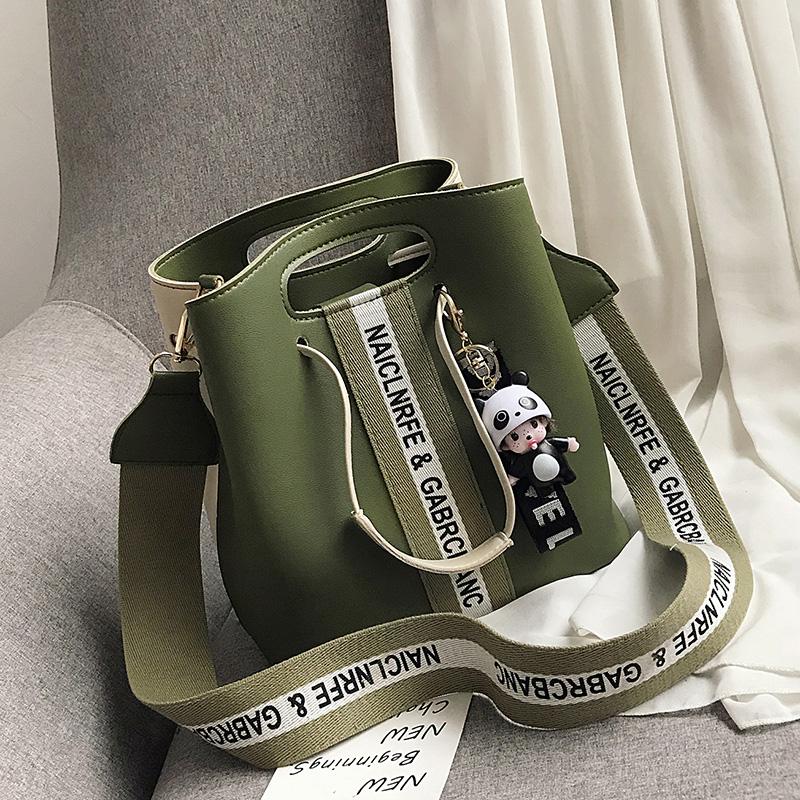 lv黑三彩水桶包 大容量流行包包女包新款2021时尚斜挎包百搭ins手提单肩水桶包潮_推荐淘宝好看的lv黑三彩水桶包