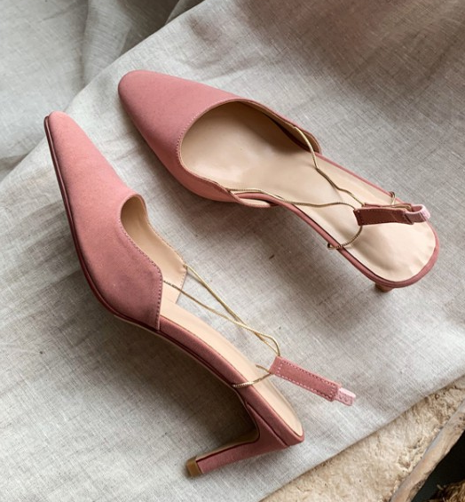 粉红色凉鞋 2020新款夏季绸缎中跟后空豆沙粉红驼卡其色包头女凉鞋子时尚韩版_推荐淘宝好看的粉红色凉鞋