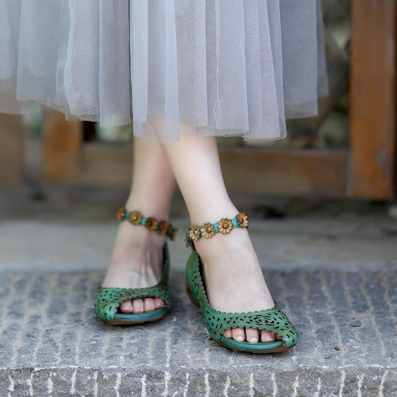 绿色凉鞋 绿色复古露趾镂空花朵真皮凉鞋女一字带低跟民族风牛皮女鞋皮鞋_推荐淘宝好看的绿色凉鞋