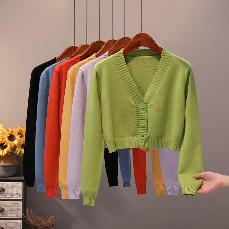 绿色针织衫 高腰短款开衫女2021春秋绿色V领针织衫外搭韩版薄款毛衣小款外套_推荐淘宝好看的绿色针织衫