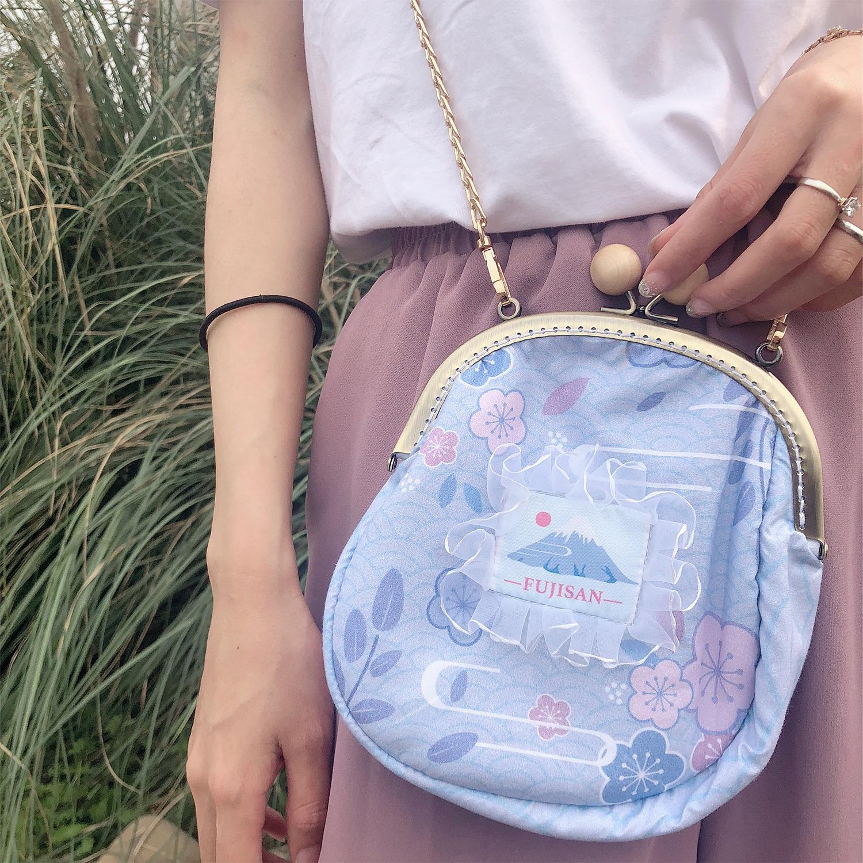 紫色斜挎包 原野趣家原创设计浅紫色富士山荷包 可爱女士斜挎圆包 口金扣便携_推荐淘宝好看的紫色斜挎包