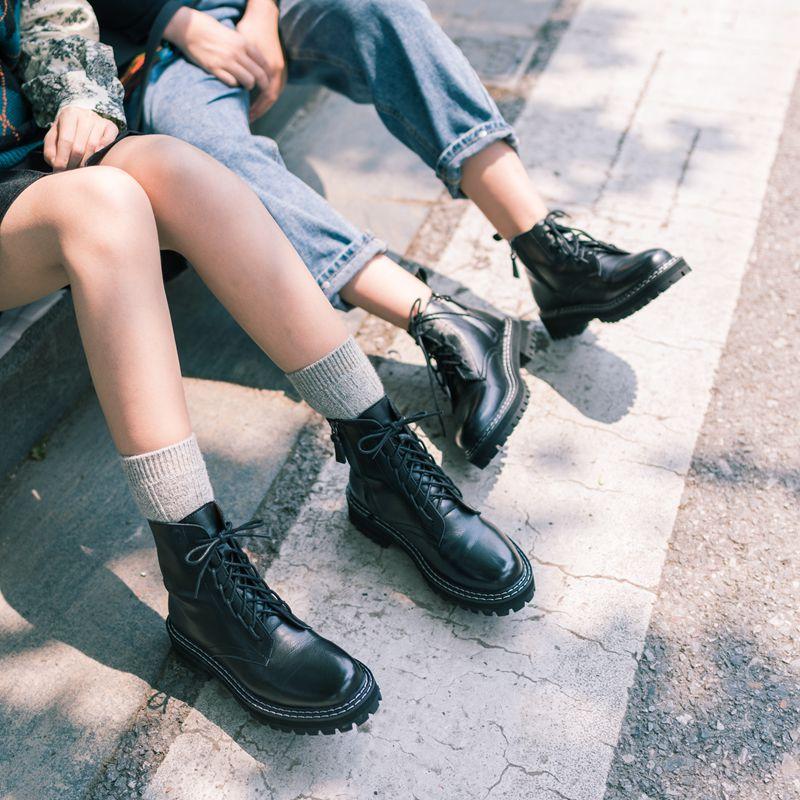 英伦短靴 柒步森林帅气牛皮马丁靴女2020夏季新款厚底英伦风薄款网红短靴子_推荐淘宝好看的女英伦短靴