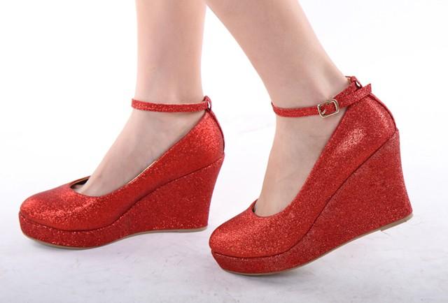 红色松糕鞋 高跟婚鞋浅口单鞋坡跟厚底松糕鞋小码女鞋时尚秋鞋红色新娘鞋_推荐淘宝好看的红色松糕鞋