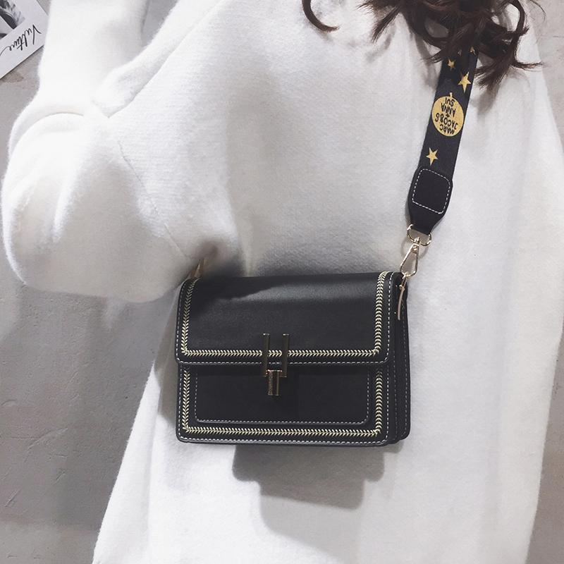 黑色复古包 高级感法国小众包包女2020新款洋气复古复古质感时尚潮宽带斜挎包_推荐淘宝好看的黑色复古包