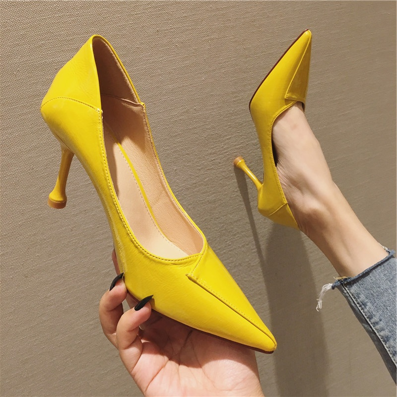 黄色单鞋 韩版通勤秋季新款时尚尖头细跟高跟鞋女性感漆皮黄色简约浅口单鞋_推荐淘宝好看的黄色单鞋