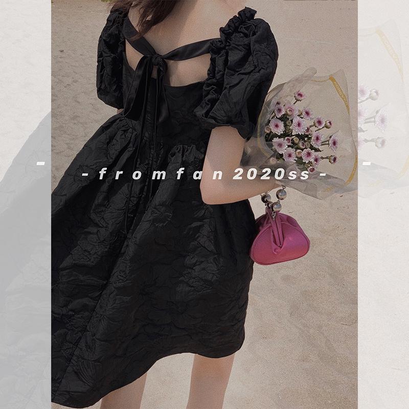 黑色连衣裙 范智乔 重工!浮雕印花泡泡袖连衣裙黑色法式复古小众设计感裙子_推荐淘宝好看的黑色连衣裙