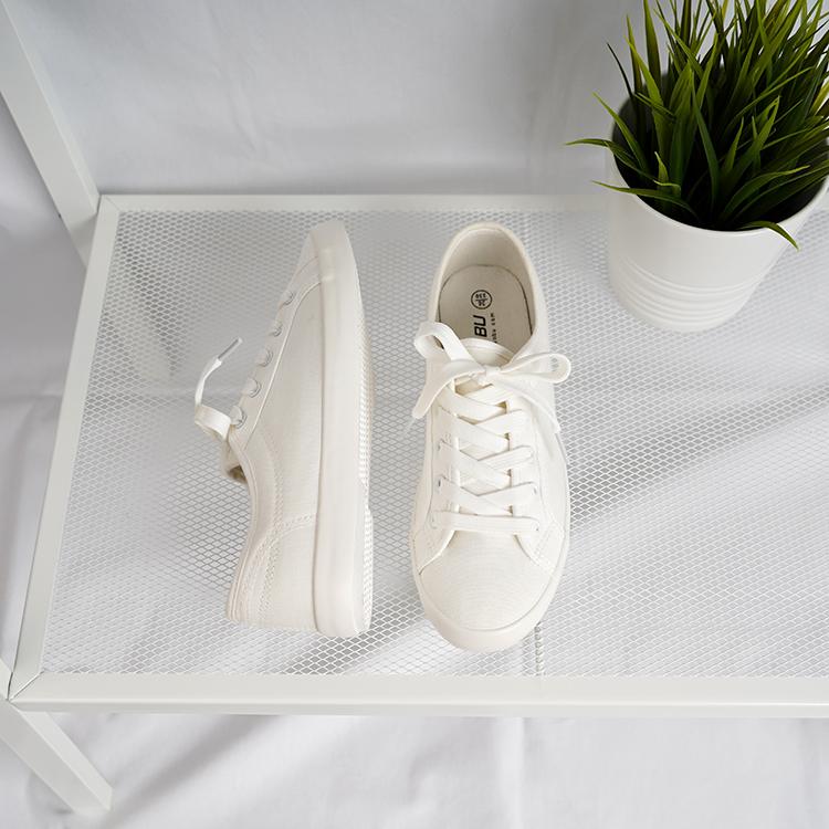 白色平底鞋 可玲儿sky文艺小白鞋女学生韩版百搭平底休闲透气白色帆布鞋女_推荐淘宝好看的白色平底鞋