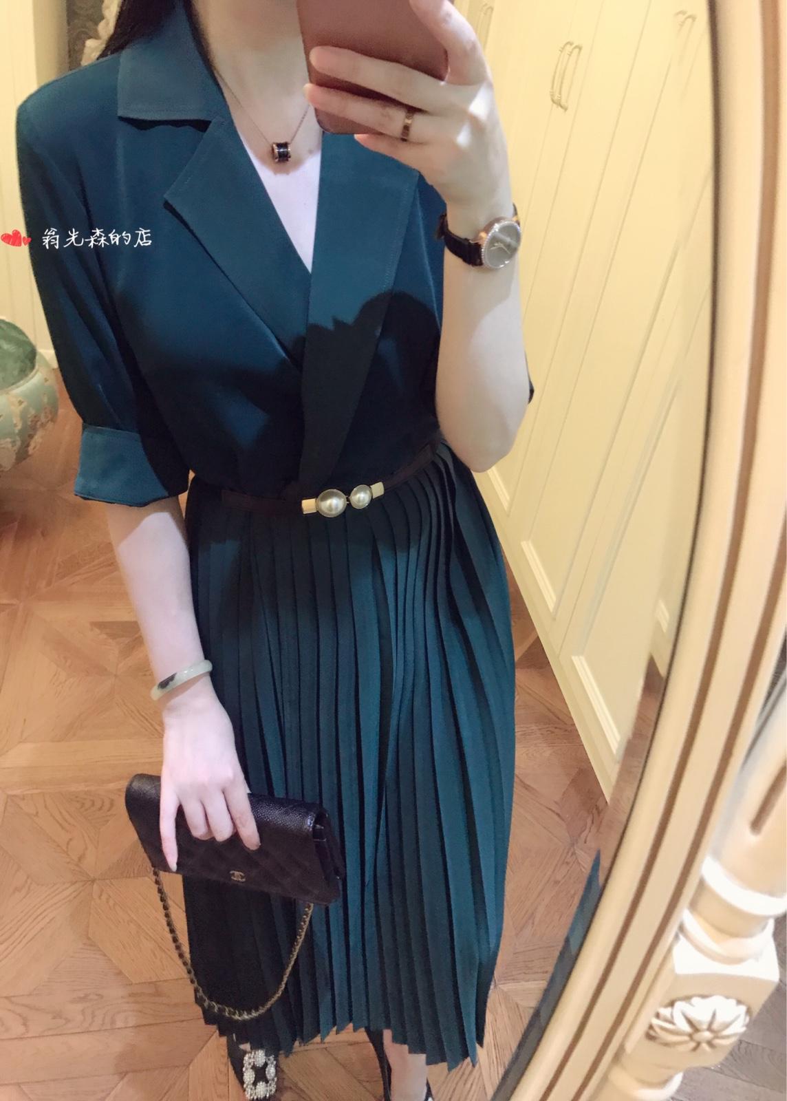 绿色风衣 夏秋 感墨绿色 西装翻领 精英范 垂坠不易皱百褶长款薄风衣裙_推荐淘宝好看的绿色风衣