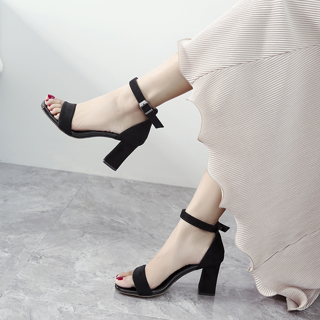 黑色凉鞋 一字扣带凉鞋女粗跟2019夏季新款中跟罗马百搭黑色仙女风高跟女鞋_推荐淘宝好看的黑色凉鞋