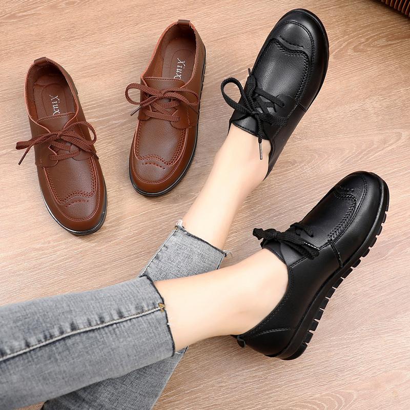 黑色平底鞋 2019新款春舒适妈妈鞋单鞋防滑软底中老年皮鞋黑色大码平底工作鞋_推荐淘宝好看的黑色平底鞋