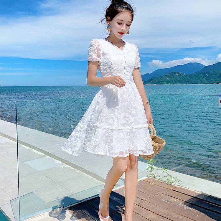 白色连衣裙 仙女裙蕾丝连衣裙女夏2021新款夏季白色裙子女学生韩版网红小个子_推荐淘宝好看的白色连衣裙