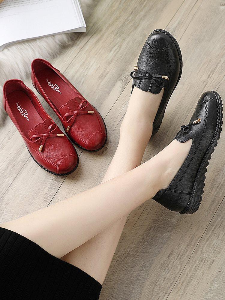 女式平底鞋 妈妈鞋单鞋2020新款中老年女鞋舒适软底平底夏季中年老人皮鞋红色_推荐淘宝好看的女平底鞋