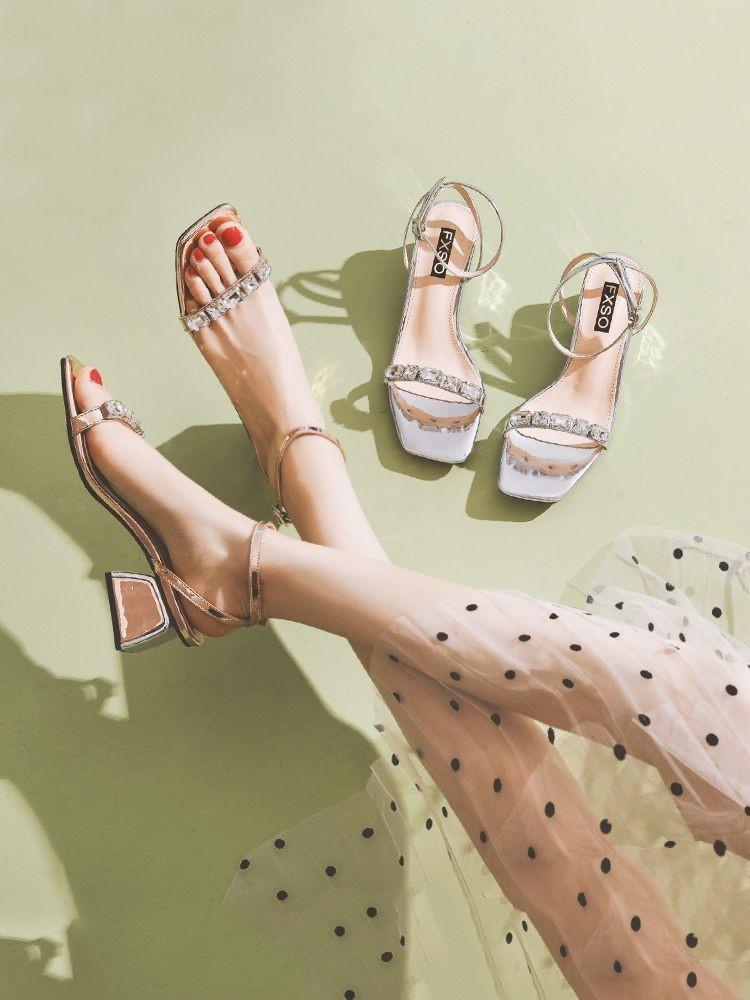 新款水钻凉鞋 2019新款夏季仙女风中跟网红粗跟水钻超火一字扣百搭凉鞋女ins潮_推荐淘宝好看的女新款水钻凉鞋
