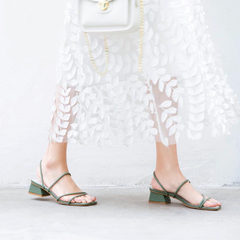绿色凉鞋 春夏绿色一字带外穿低跟拖鞋女 仙女甜美风露趾细带中跟粗跟凉鞋_推荐淘宝好看的绿色凉鞋