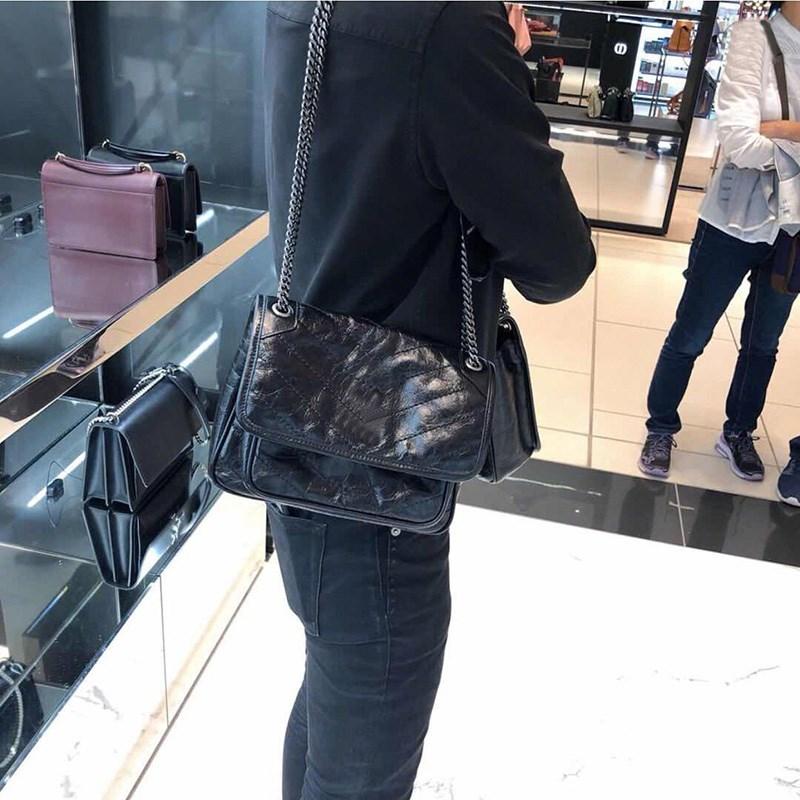 菱格单肩邮差包 香港 2020新款菱格链条女包复古邮差包ins女包大容量单肩斜挎女包_推荐淘宝好看的菱格单肩邮差包