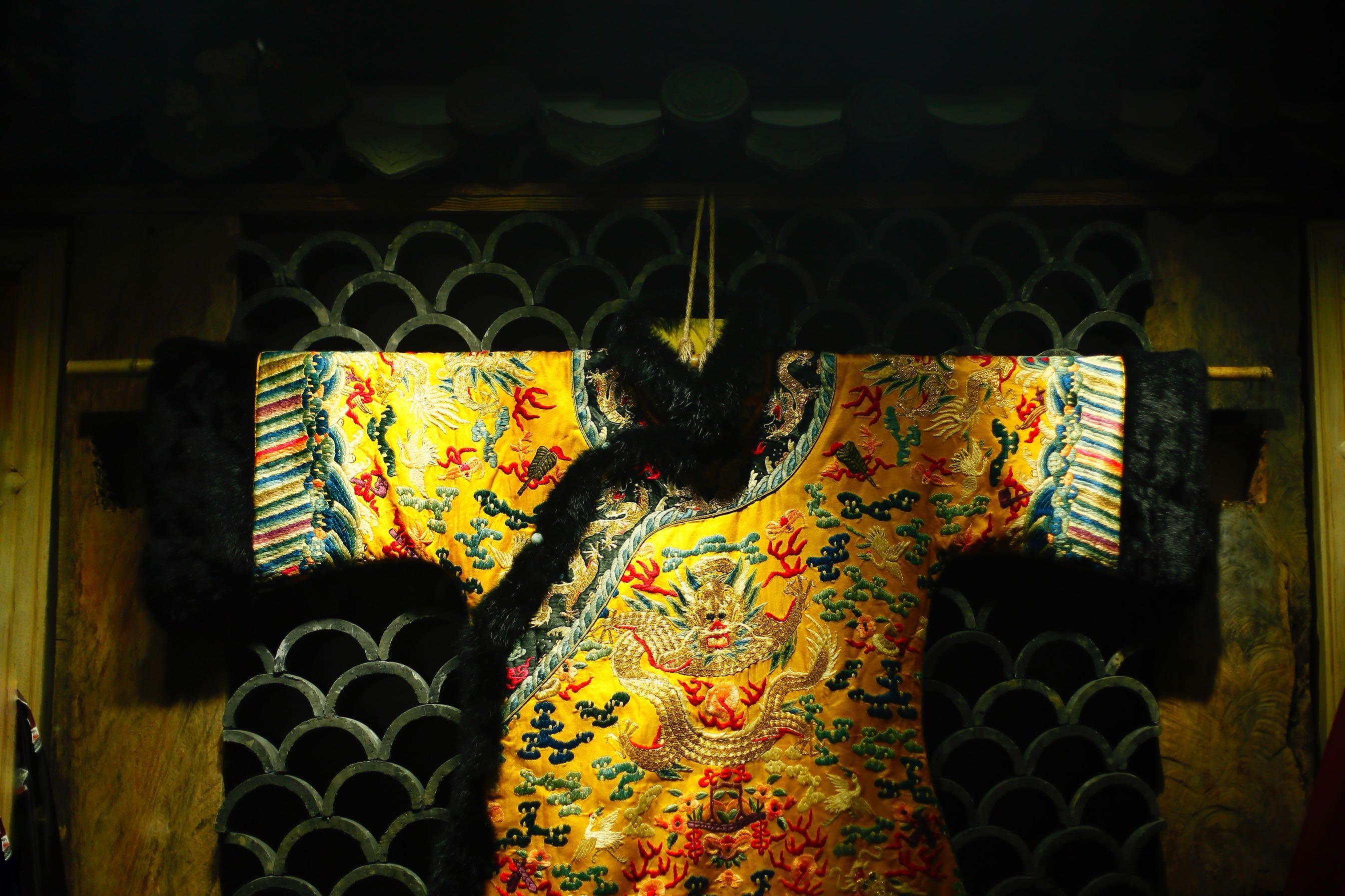 吊带连衣裙 绣色新款2020年春季黑色吊带长裙鱼尾连衣裙夏绣吾颜老绣定制定金_推荐淘宝好看的吊带连衣裙