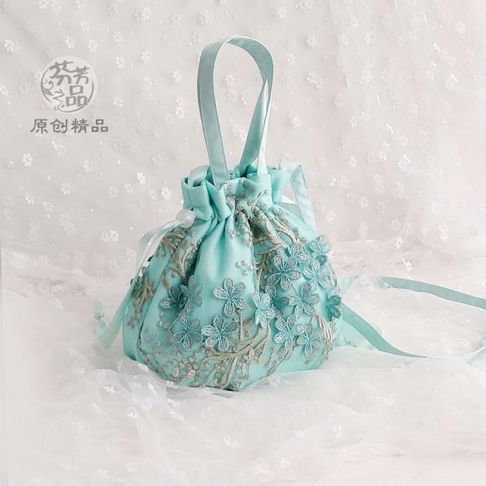 绿色手提包 芬芳之品原创蕾丝刺绣仙女手提包2021新款汉服束口小包绿色斜背包_推荐淘宝好看的绿色手提包