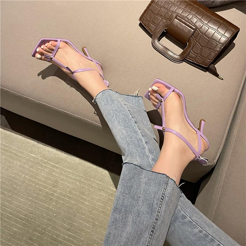 紫色鱼嘴鞋 凉鞋2021新款女紫色方头绑带高跟凉鞋细跟一字带夹趾脚凉鞋露趾_推荐淘宝好看的紫色鱼嘴鞋