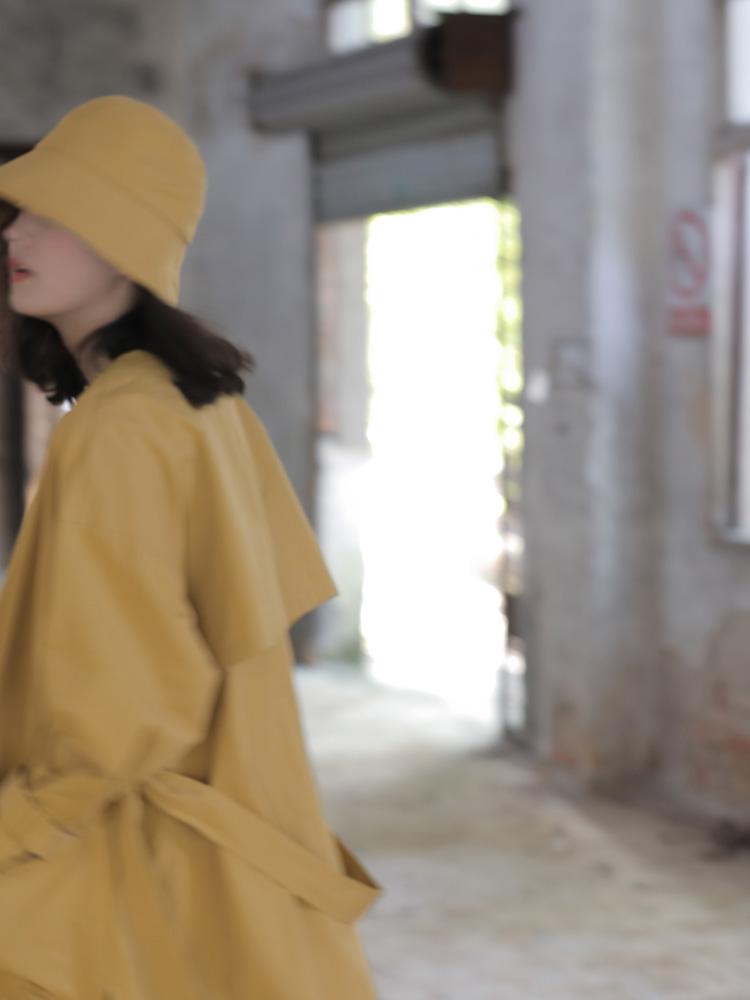 黄色风衣 姜黄色高端风衣 垂感中长款风衣时尚减龄外套设计感女小众_推荐淘宝好看的黄色风衣