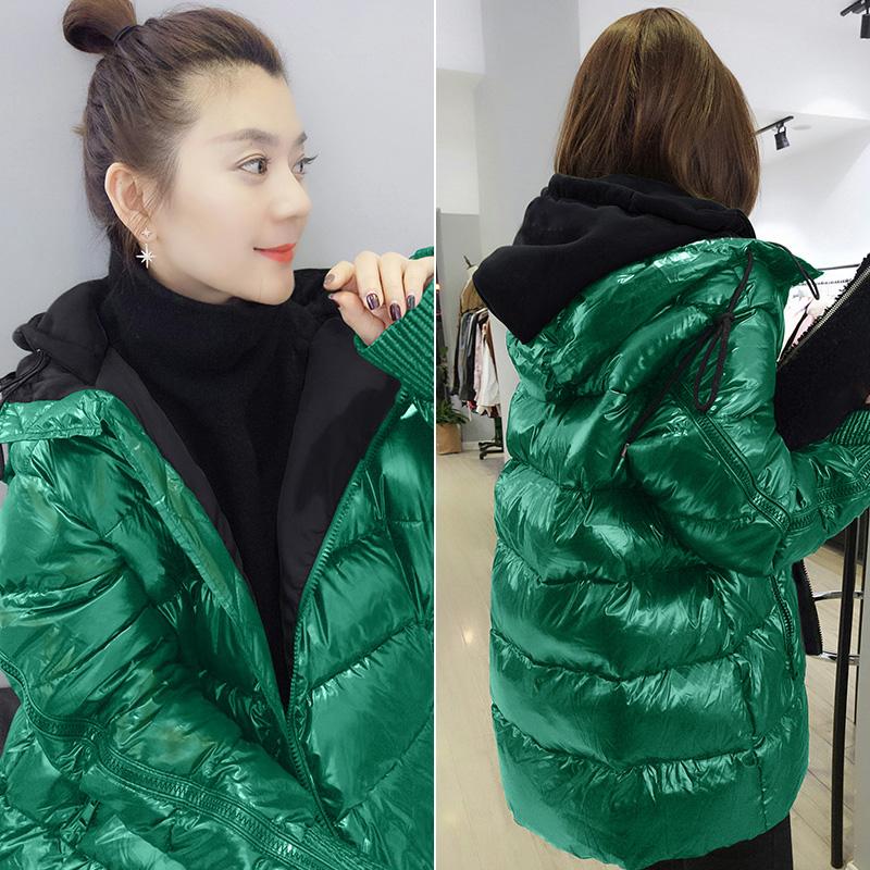 绿色羽绒服 2021年新款欧洲站冬装女欧货连帽中长款亮面绿色面包服加厚羽绒服_推荐淘宝好看的绿色羽绒服