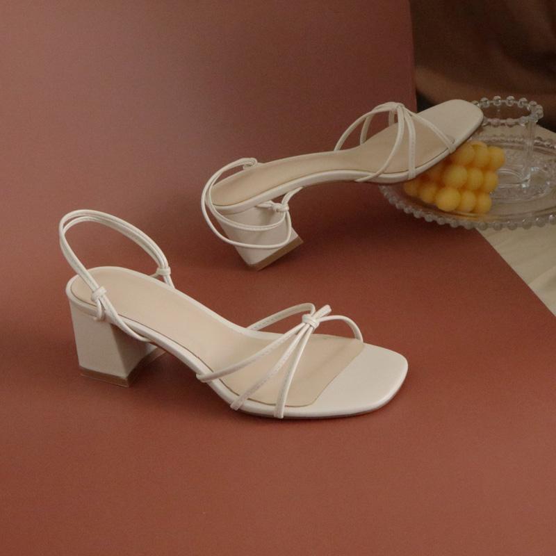白色罗马鞋 小众复古法式白色细带凉鞋女粗跟21夏季新款百搭简约酒红色罗马鞋_推荐淘宝好看的白色罗马鞋