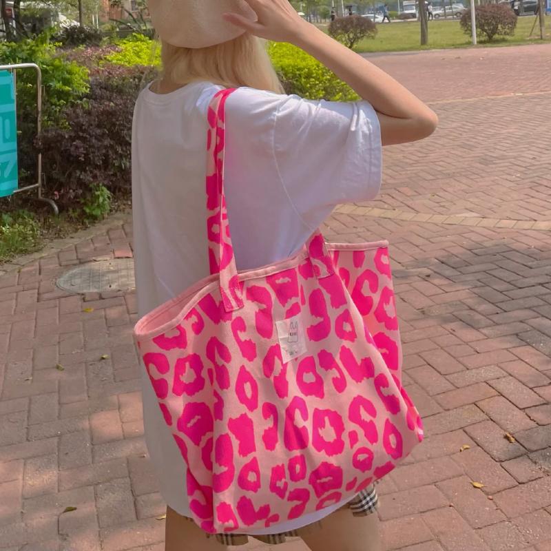 粉红色帆布包 2021韩国东大门韩版粉红色豹纹包大容量托特包帆布包女单肩手提包_推荐淘宝好看的粉红色帆布包