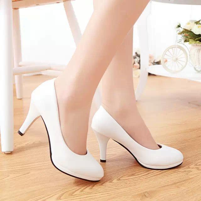 白色高跟鞋 白色学生礼仪高跟鞋女防水台低跟3-5-7cm工作职场细跟面试单皮鞋_推荐淘宝好看的白色高跟鞋