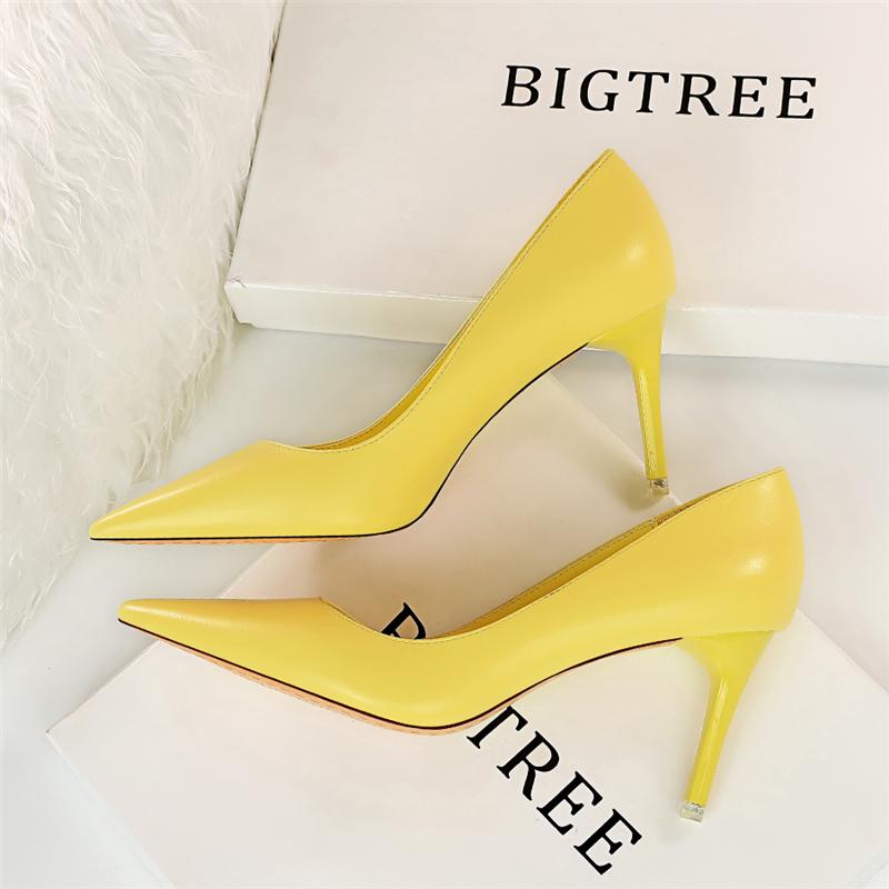 黄色高跟鞋 韩版糖果色简约高跟鞋浅口尖头职业OL百搭细跟单鞋粉黄色大码女鞋_推荐淘宝好看的黄色高跟鞋