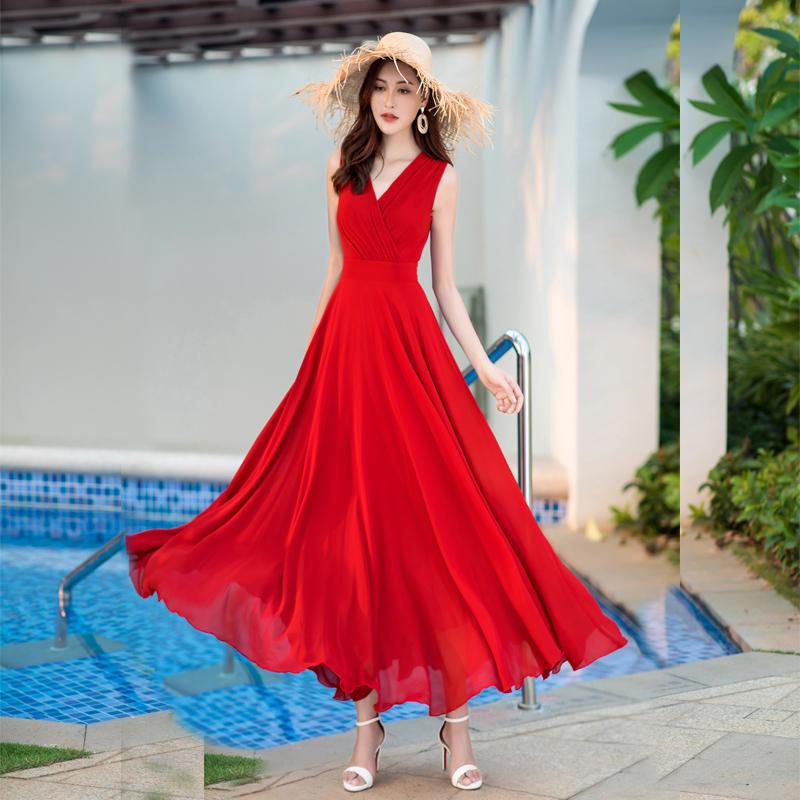 白色修身连衣裙 2020夏季女装新款气质优雅修身显瘦无袖雪纺长裙波西米亚连衣裙_推荐淘宝好看的白色修身连衣裙