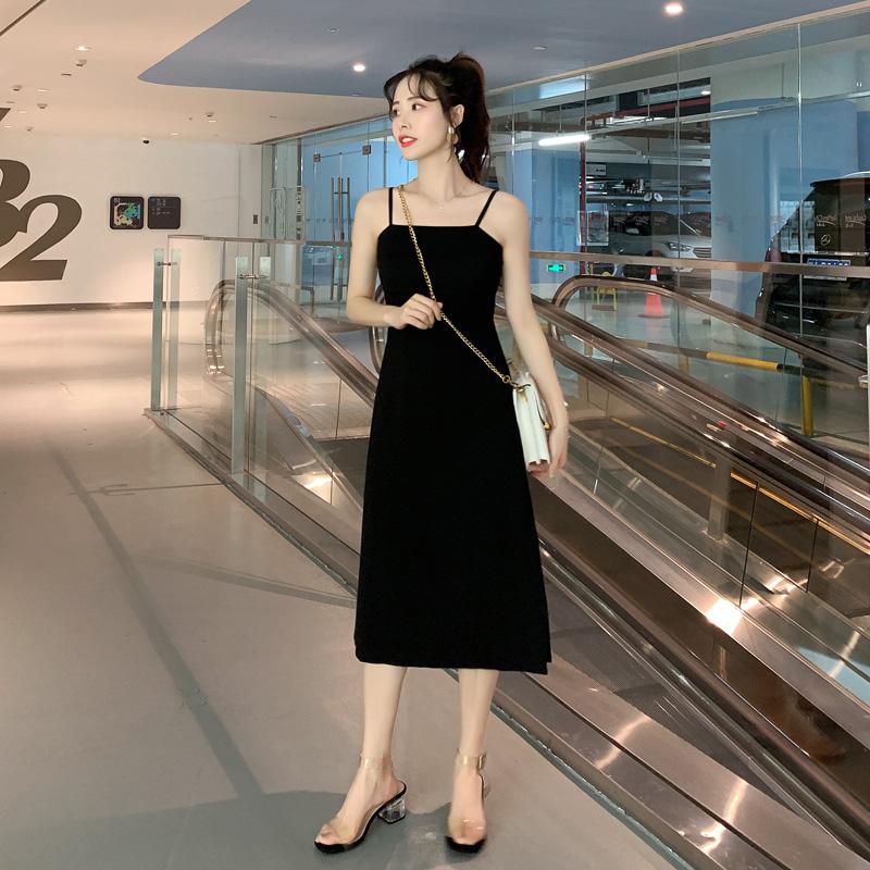 吊带连衣裙 法式复古裙过膝长裙2020夏季新款收腰显瘦气质性感黑色吊带连衣裙_推荐淘宝好看的吊带连衣裙