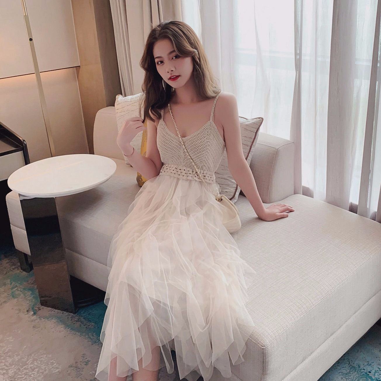 白色吊带连衣裙 裙子仙女超仙森系2020夏新款V领纱裙网纱吊带连衣裙女层层蛋糕裙_推荐淘宝好看的白色吊带连衣裙