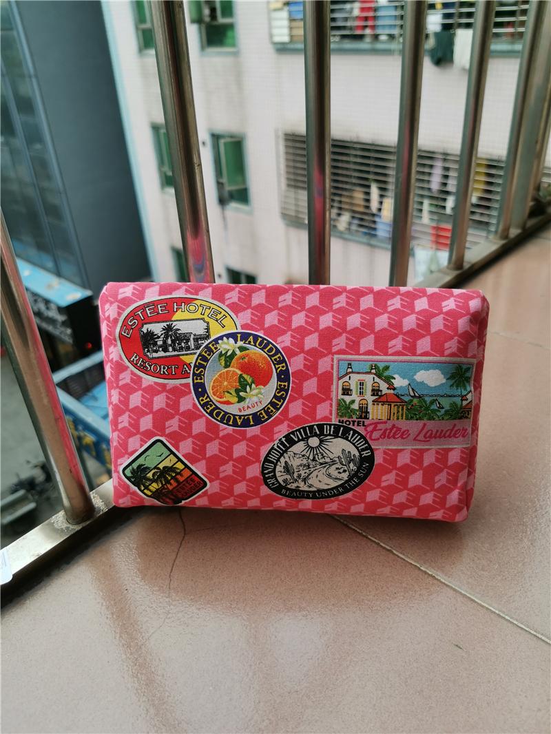 粉红色手拿包 雅诗兰黛粉红色卡通彩绘帆布化妆包 手拿包_推荐淘宝好看的粉红色手拿包