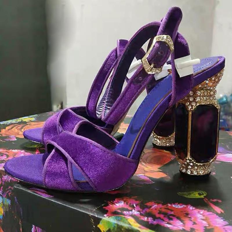 紫色凉鞋 2019定制款水钻宝石交叉带紫色高跟女凉鞋 复古巴洛克丝绒高跟鞋_推荐淘宝好看的紫色凉鞋