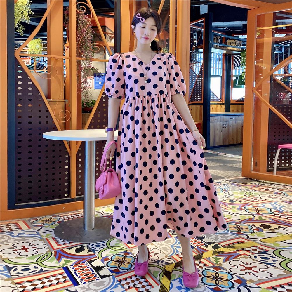 粉红色连衣裙 JENNIFER韩国东大门~娃娃款V领泡泡袖粉红色波点宽松连衣裙_推荐淘宝好看的粉红色连衣裙