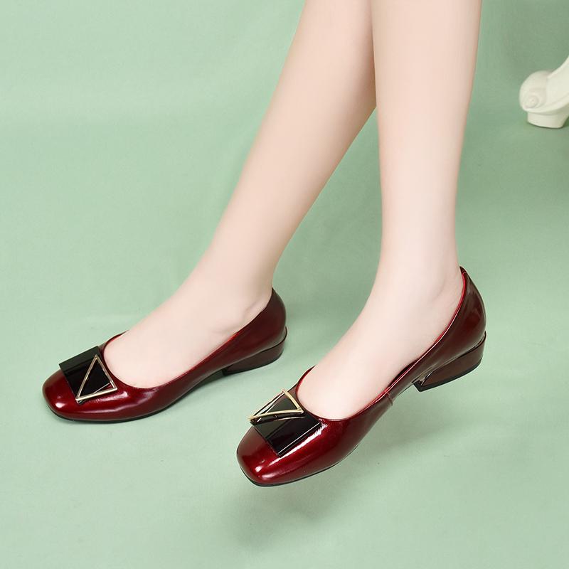 红色豆豆鞋 豆豆鞋女中跟真皮红色软皮鞋2021年新款浅口百搭春季低跟漆皮单鞋_推荐淘宝好看的红色豆豆鞋