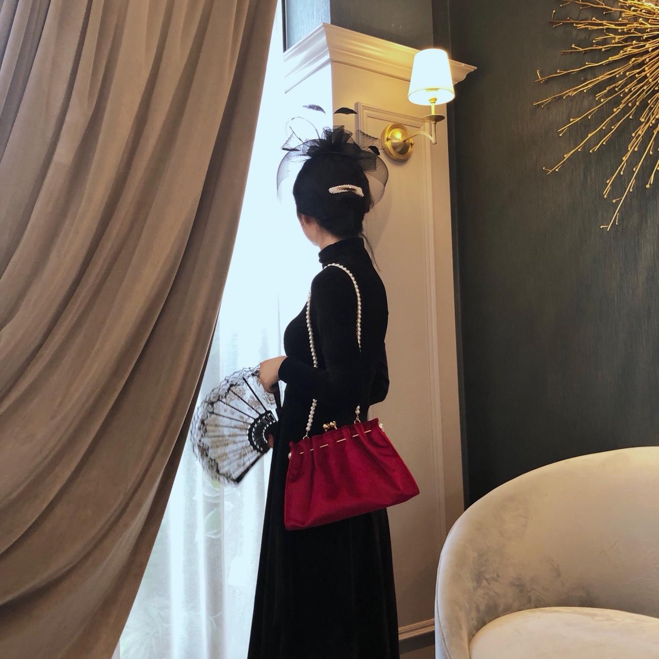 红色复古包 Misscat 复古秋冬金丝绒珍珠球金属褶皱包口珍珠链晚宴红色包包女_推荐淘宝好看的红色复古包
