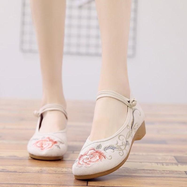 粉红色坡跟鞋 布鞋气质优雅小码坡跟元素鞋子女粉红色复古风流苏荷花汉仿古大童_推荐淘宝好看的粉红色坡跟鞋
