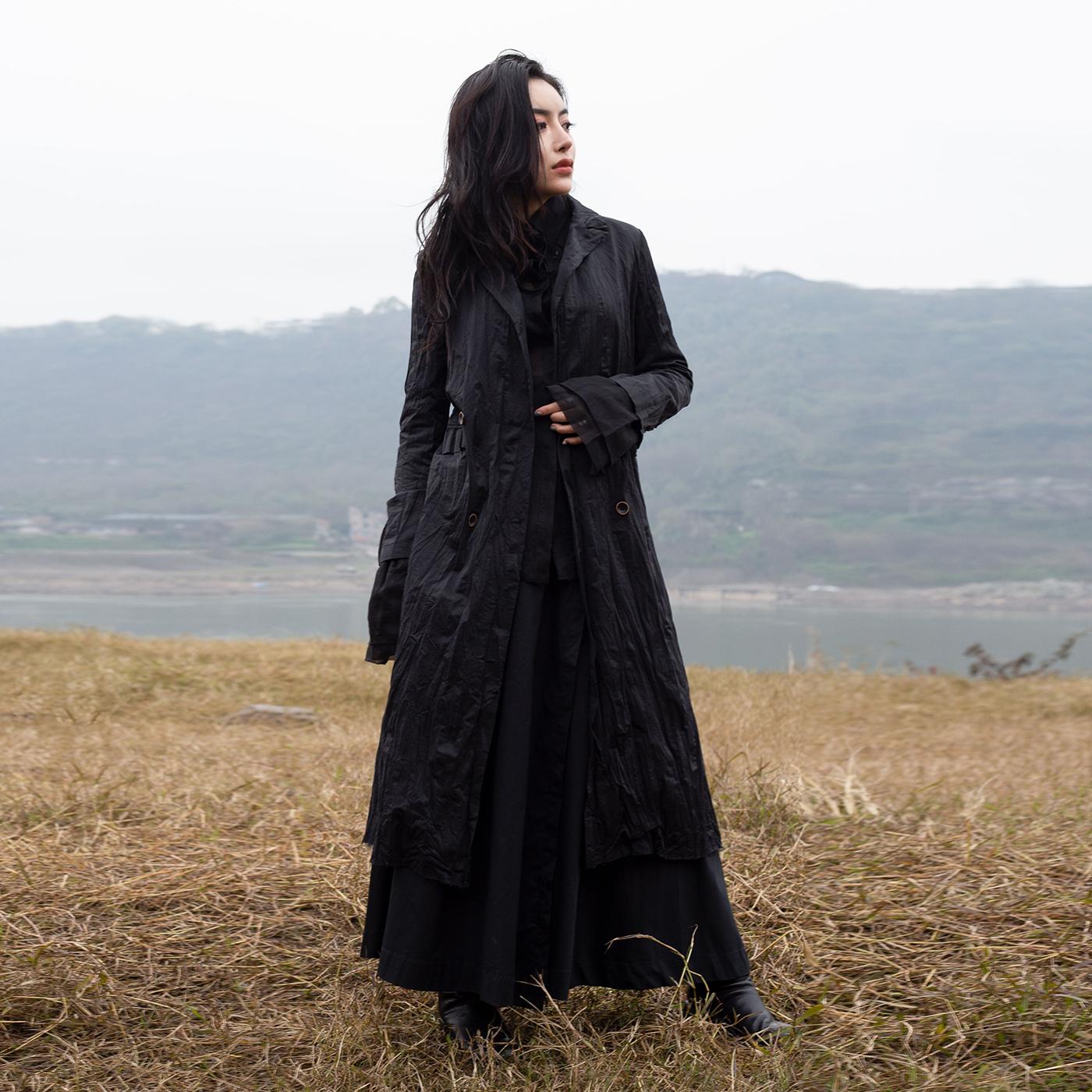 中长款风衣外套 SIMPLE BLACK 春季ss新款暗黑风金属丝褶皱修身中长款风衣外套女_推荐淘宝好看的女中长款风衣外套